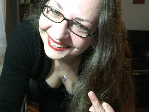 Ich habe ein Herz für devote Fettis, Schnellspritzer und Minipimmel! Du bist mein Belustigungsobjekt, Fusssklave und Zahldepp. Ich liebe es dich zu ignorieren - dich einfach auszunehmen! Auch du wirst dich meinem Lächeln nicht entziehen können.... Come in and find out! Pussy in die Cam? Vergiss es!