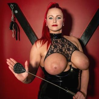 Domina Lady Red Cat Ugly